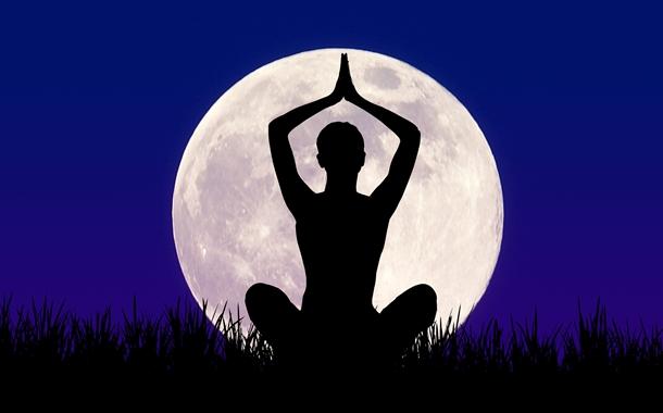 Cómo influye la luna en nuestra práctica de Yoga