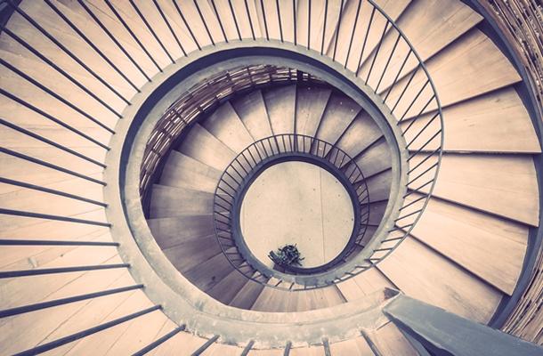 Hipnosis regresiva: Cómo te puede ayudar